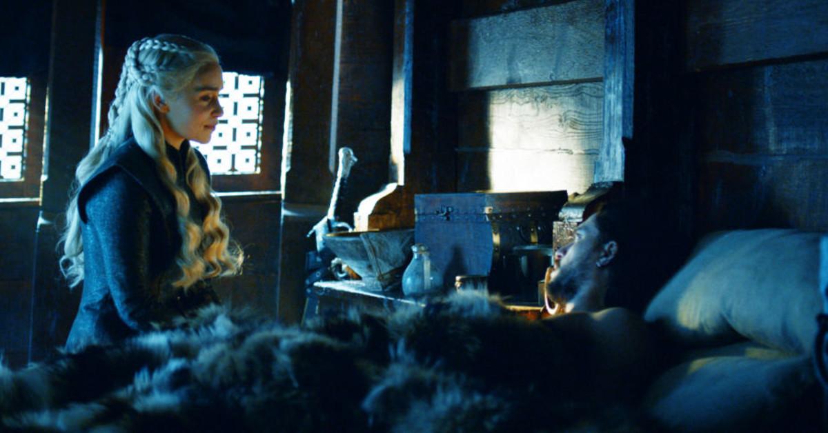 Jon snow and daenerys hook up scene